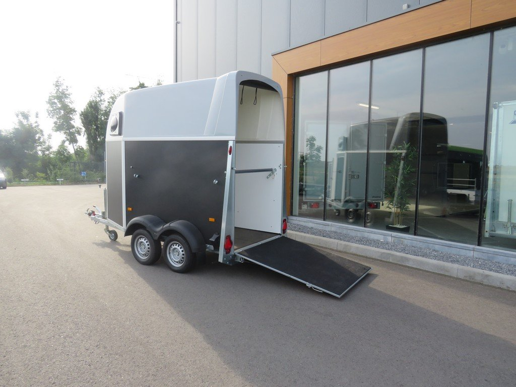 Humbaur Single plywood 1,5 paards paardentrailer Humbaur Single plywood 1,5 paards paardentrailer PAK Aanhangwagens 3.0 achter open