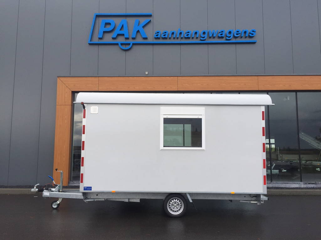 Traditionele schaftwagen traditionele-schaftwagen-pak-aanhangwagens-hoofd-wit