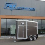 Ifor Williams HB403 1,5 paards trailer antraciet paardentrailer PAK Aanhangwagens hoofd
