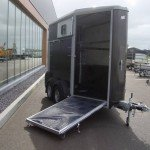 Ifor Williams HB403 1,5 paards trailer antraciet paardentrailer PAK Aanhangwagens vooruitloop