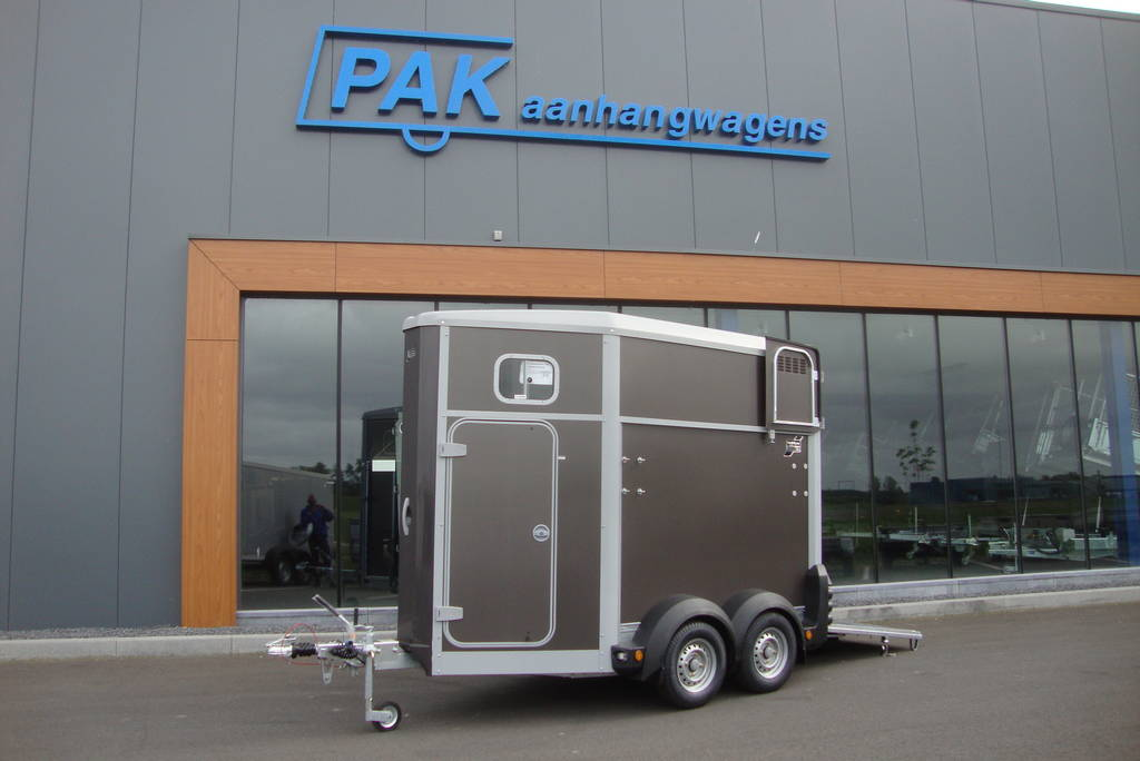 Ifor Williams HB403 1,5 paards trailer antraciet paardentrailer PAK Aanhangwagens zijkant