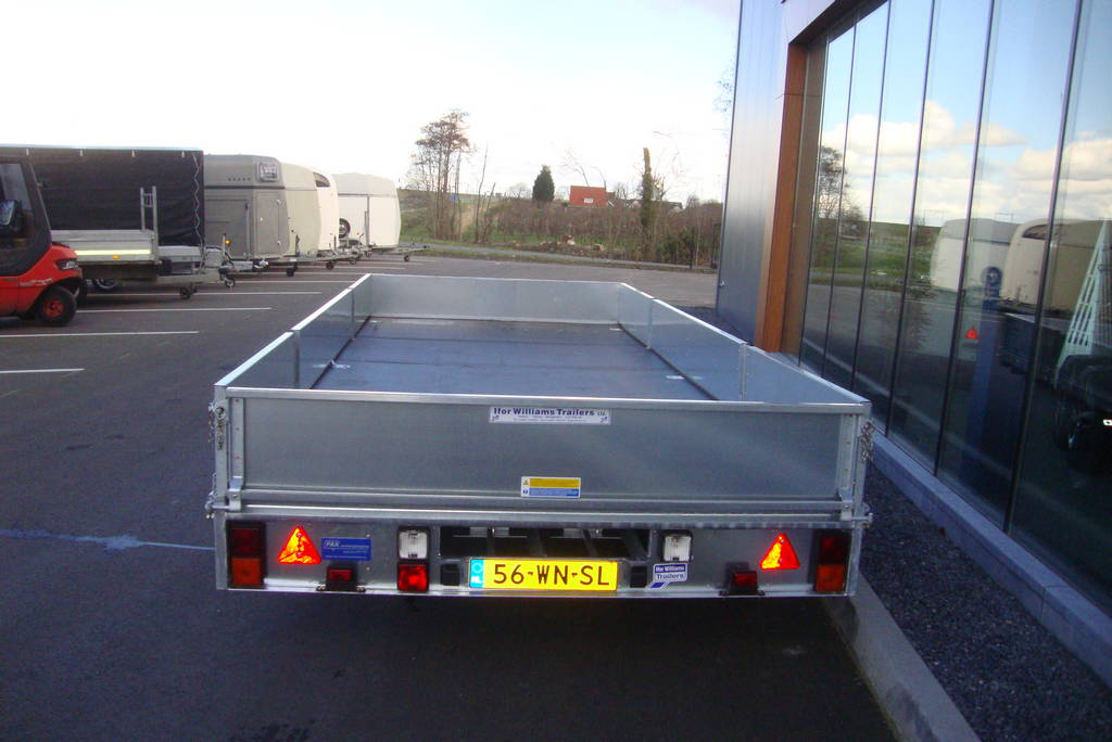 Ifor Williams plateau 547x198cm 2-as plateauwagens PAK Aanhangwagens achterkant